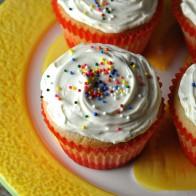 Buttermilk Vanilla Cupcakes