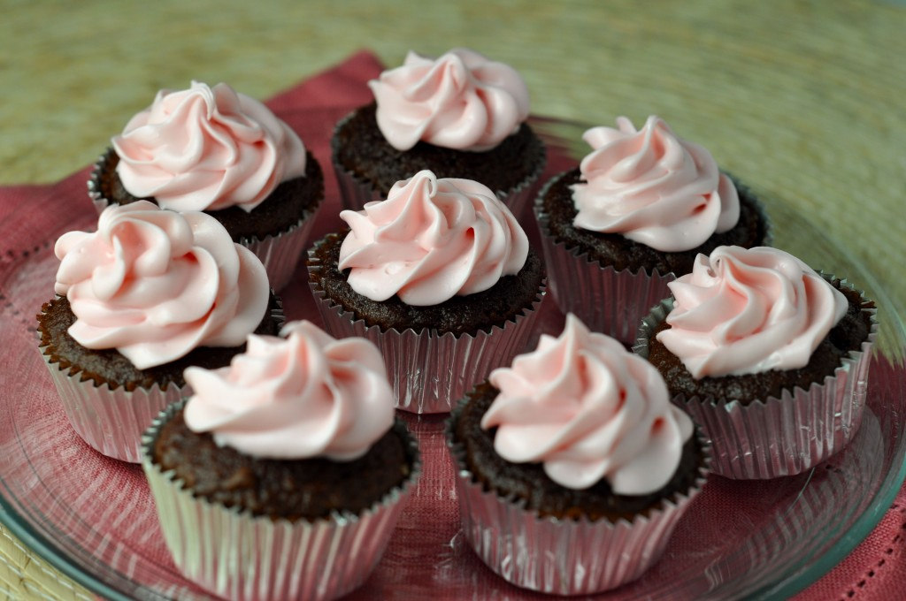 Raspberry Dark Chocolate Cupcakes with Raspberry Cream Cheese Frosting ...