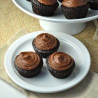 Chocolate Banana Buttermilk Cupcakes w. Truffle Frosting