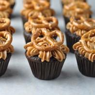 Pretzel Caramel Chocolate Cupcakes